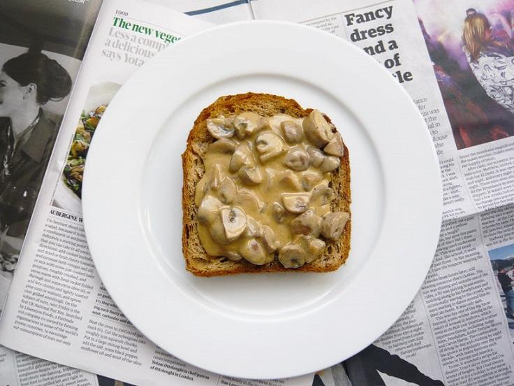mushroom-sauce-toast