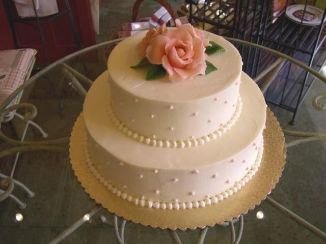 2 Layers Wedding Cakes  Wedding Cake with 2 Layer Roses 2 ments
