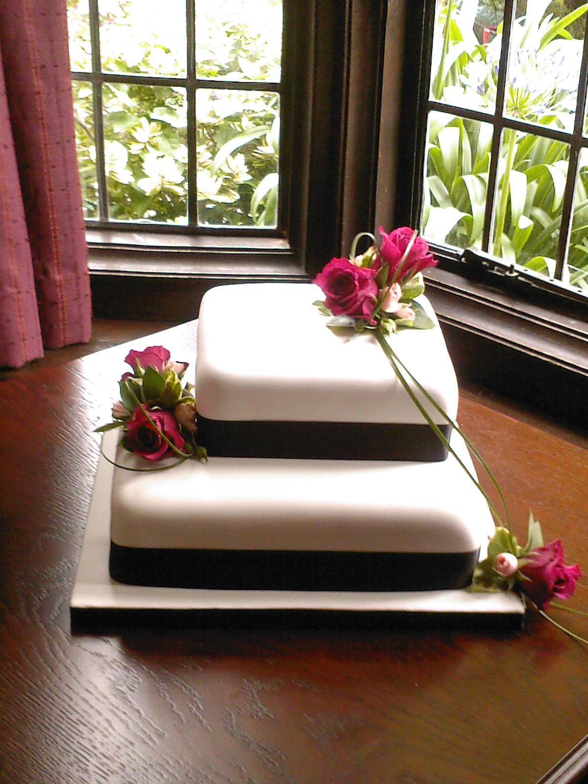 2 Tier Square Wedding Cakes  2 Tier Square Wedding Cake With Fresh Flowers Susie s Cakes