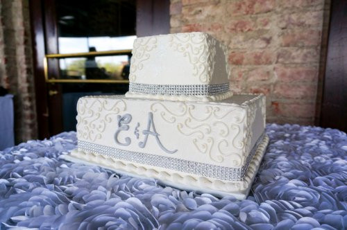 2 Tier Square Wedding Cakes  Gorgeous wedding cakes with bling