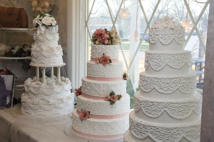 2016 Wedding Cakes  2016 Sweet Wedding Cake Trends Illinois Country Living