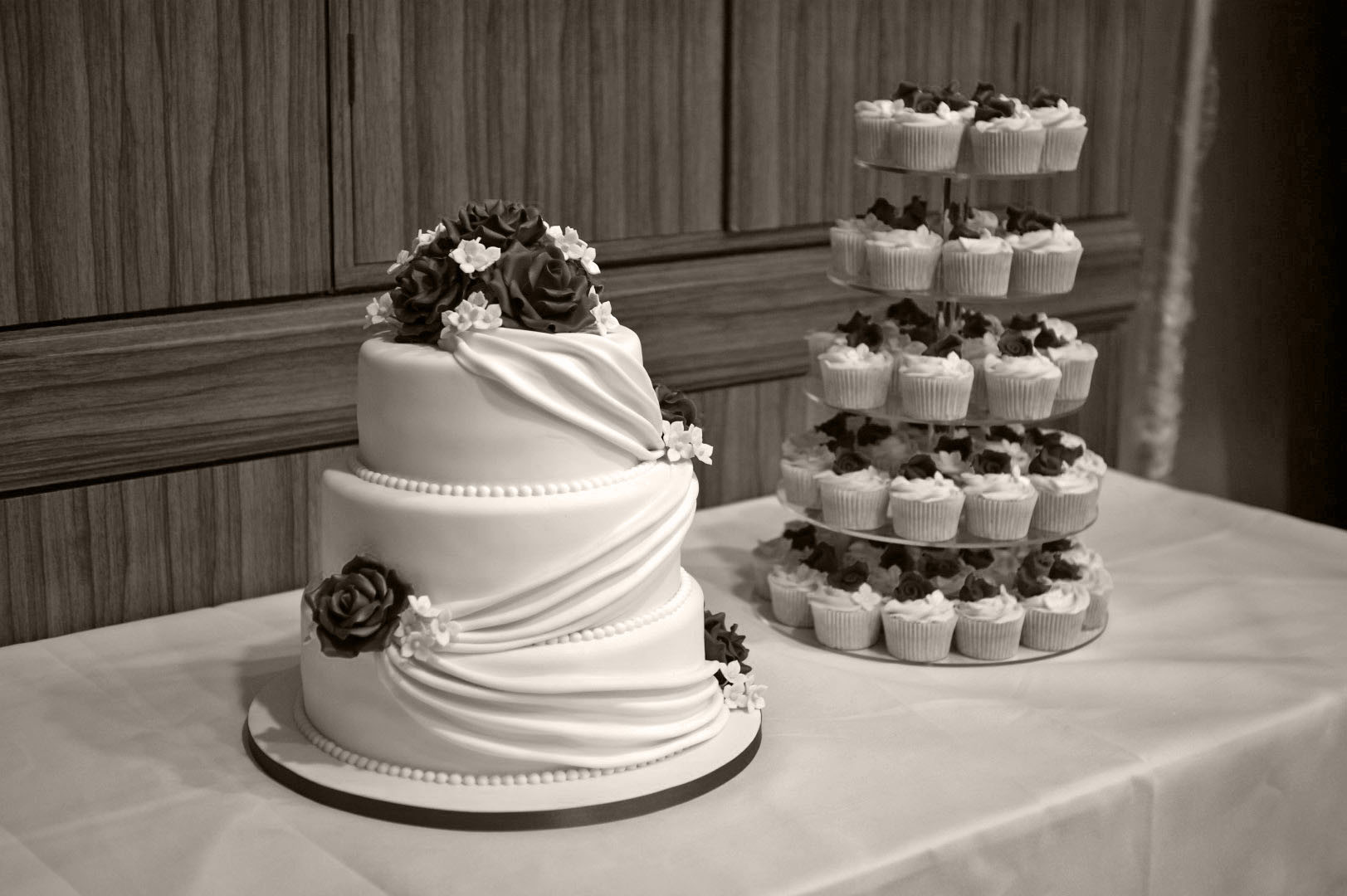 3 Layer Wedding Cakes  3 Tier Wedding Cake with Cupcake Tower Bakealous