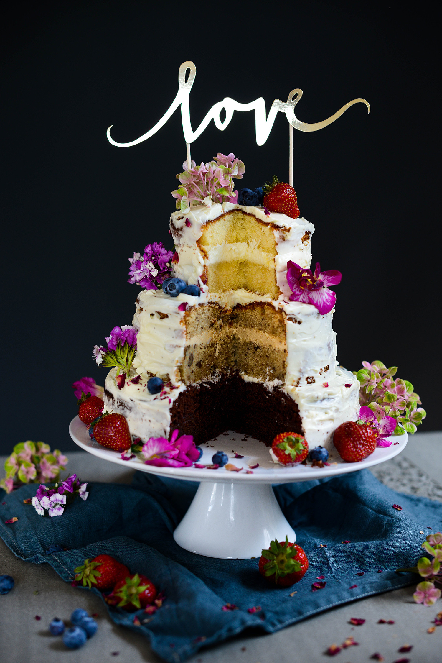 3 Layered Wedding Cakes  Three layered wedding cake with mascarpone frosting