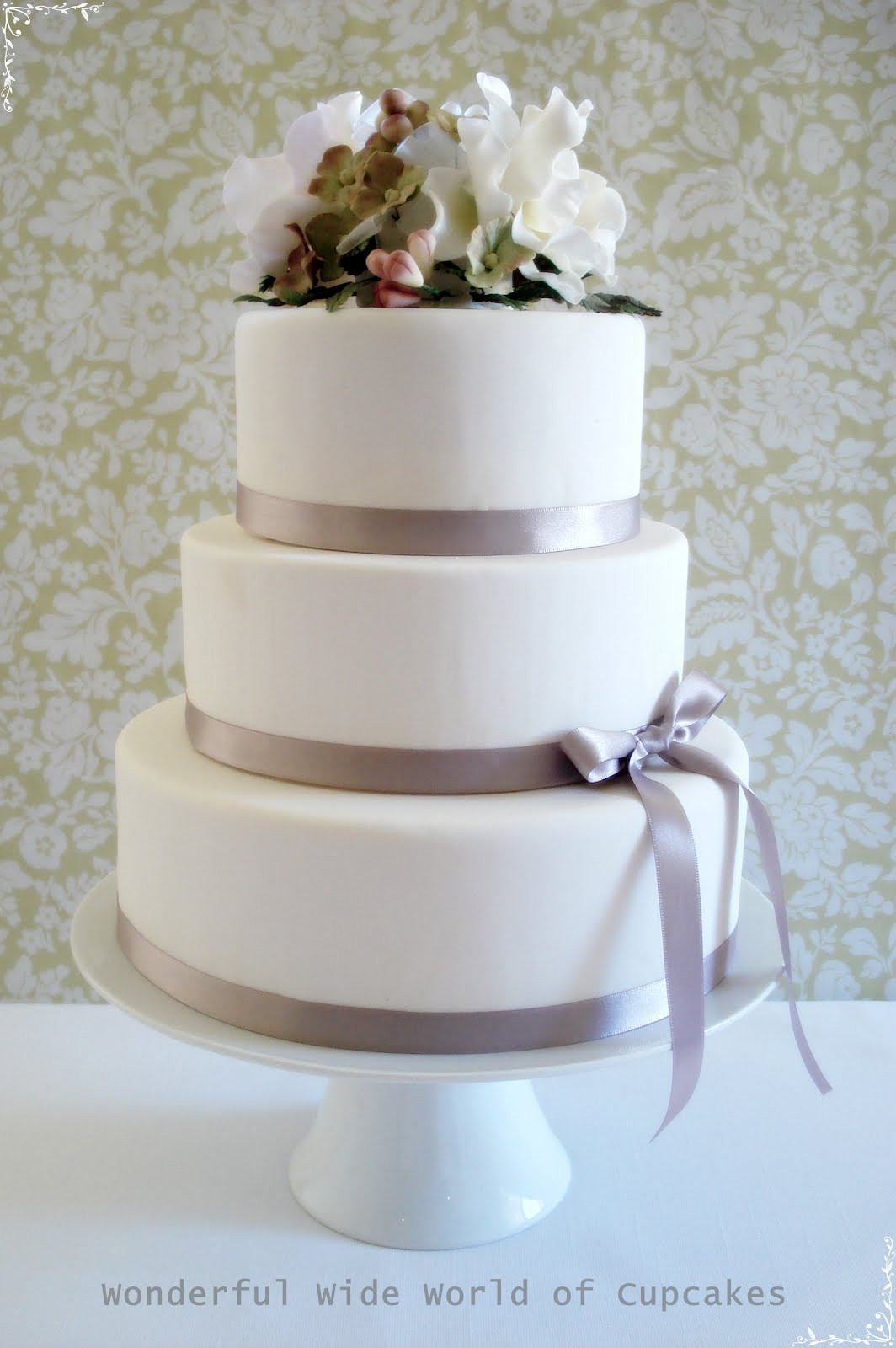 3 Layered Wedding Cakes  Small Wedding Cakes Wedding Plan Ideas