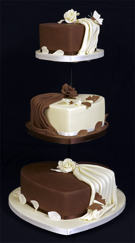3 Tier Wedding Cakes Designs  Amazing 3 Tier Heart Shaped Wedding Cake Design on
