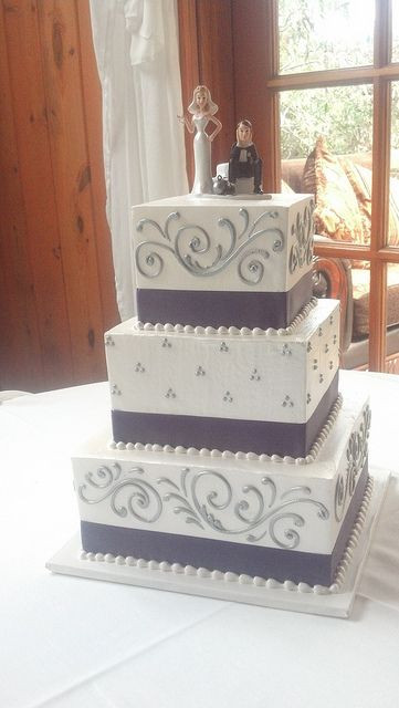 3 Tiered Square Wedding Cakes  3 tier square wedding cake 2073 Pinterest