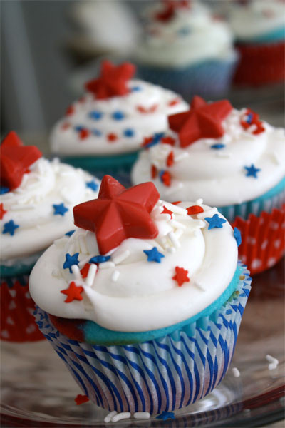 4Th Of July Cupcakes  Red White and Blue Cupcakes