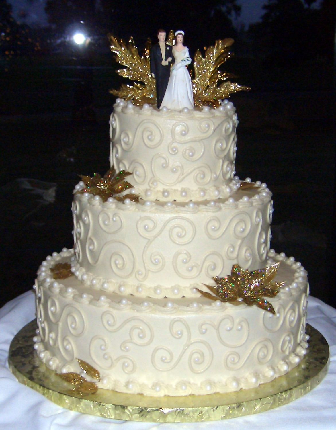 50Th Wedding Cakes  50th Anniversary Wedding Cake All buttercream icing and