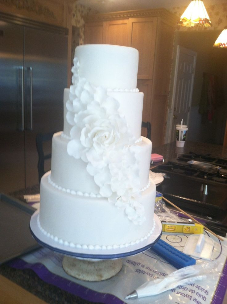 6 Inch Wedding Cakes  1000 images about 6 inch cake ideas on Pinterest