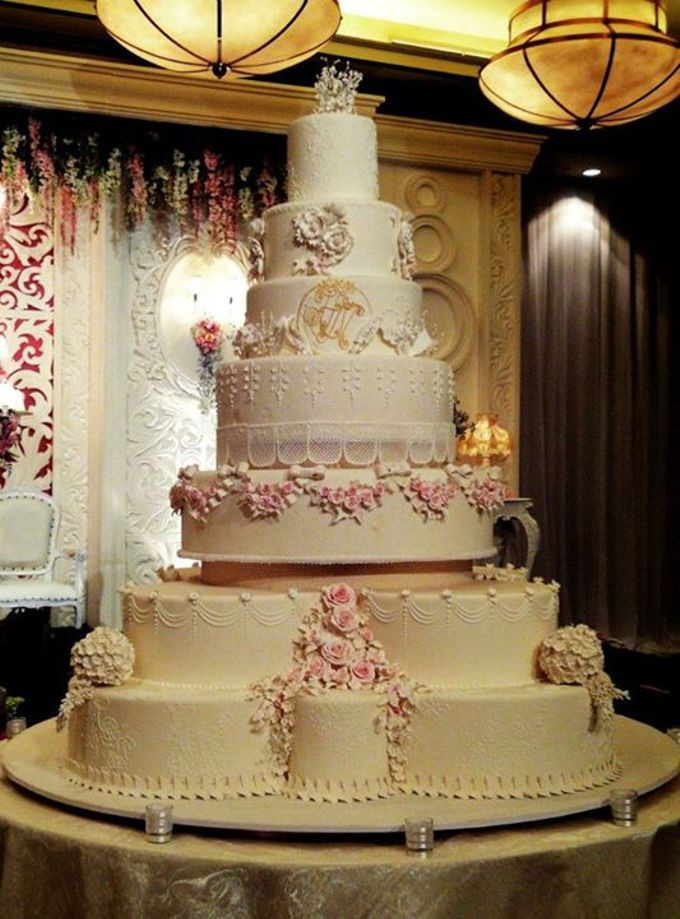 7 Tier Wedding Cakes  7 tiers Wedding Cake by LeNovelle Cake