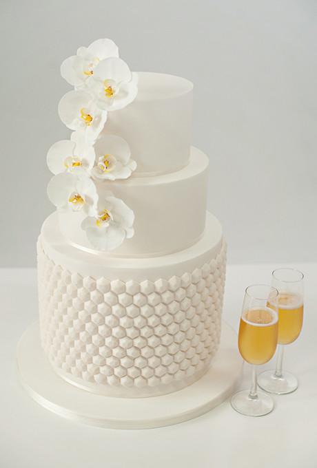 All White Wedding Cakes  Circle Wedding Cakes