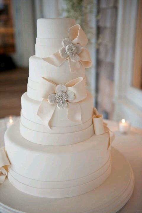 All White Wedding Cakes  31 Exquisite All White Wedding Cakes Weddingomania