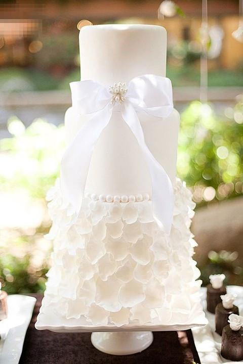 All White Wedding Cakes  37 Exquisite All White Wedding Cakes