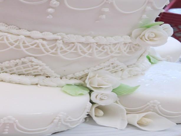 Almond Wedding Cake Recipe  piczTmbdN