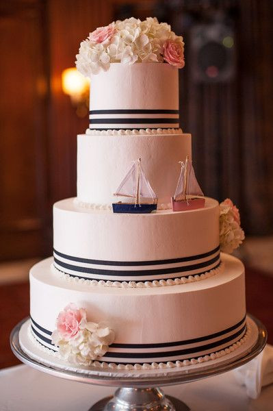 Anchor Wedding Cakes  9 REASONS TO HAVE A NAUTICAL WEDDING