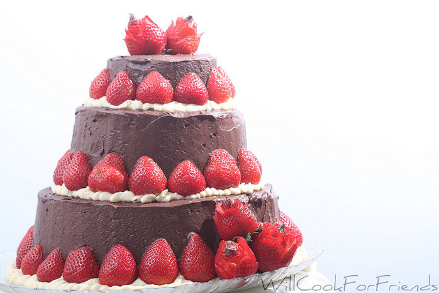 Angel Food Wedding Cakes  Angel Food Wedding Cake a balancing act of simple and