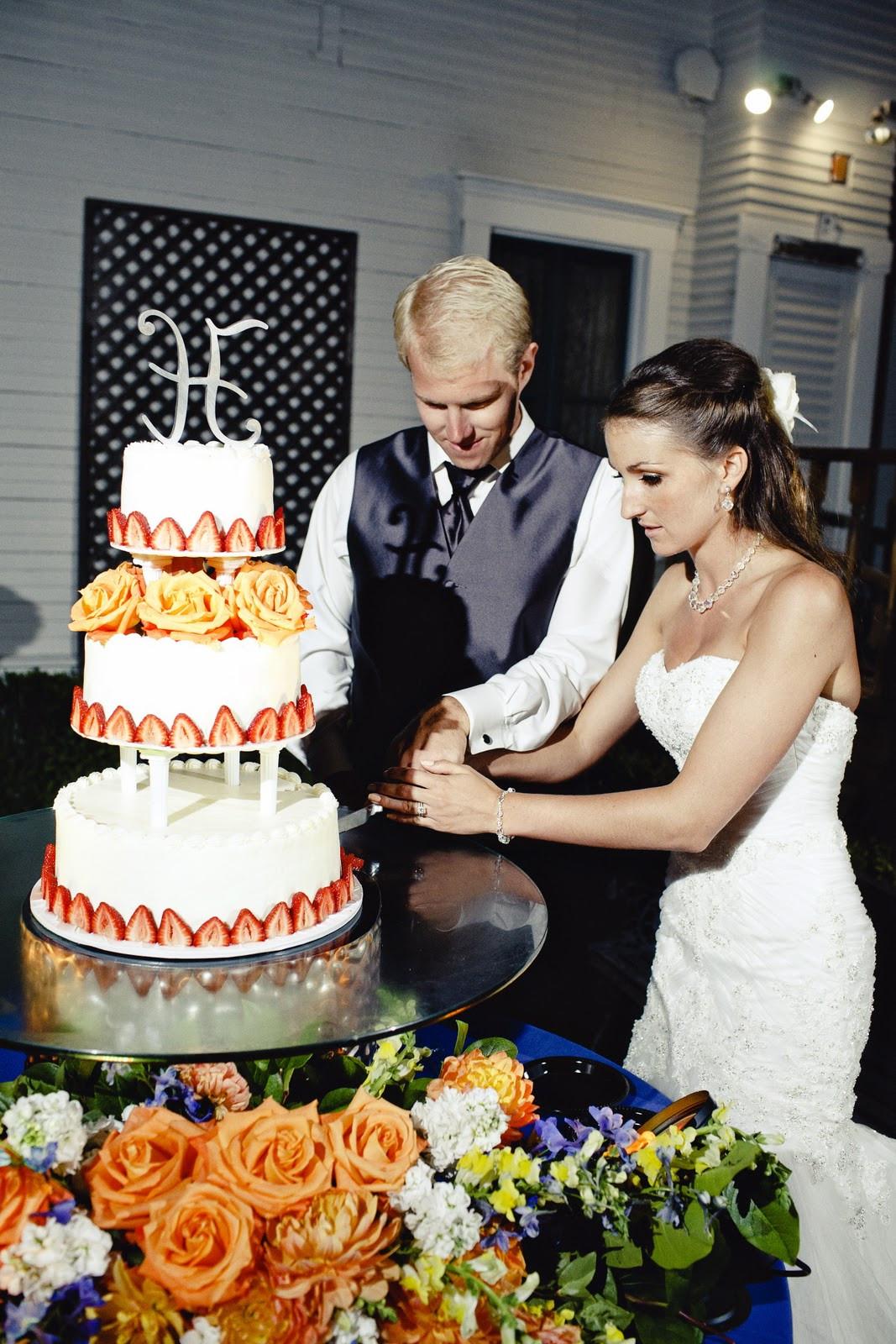 Angel Food Wedding Cakes  Delight s Bites Angel Food Cake