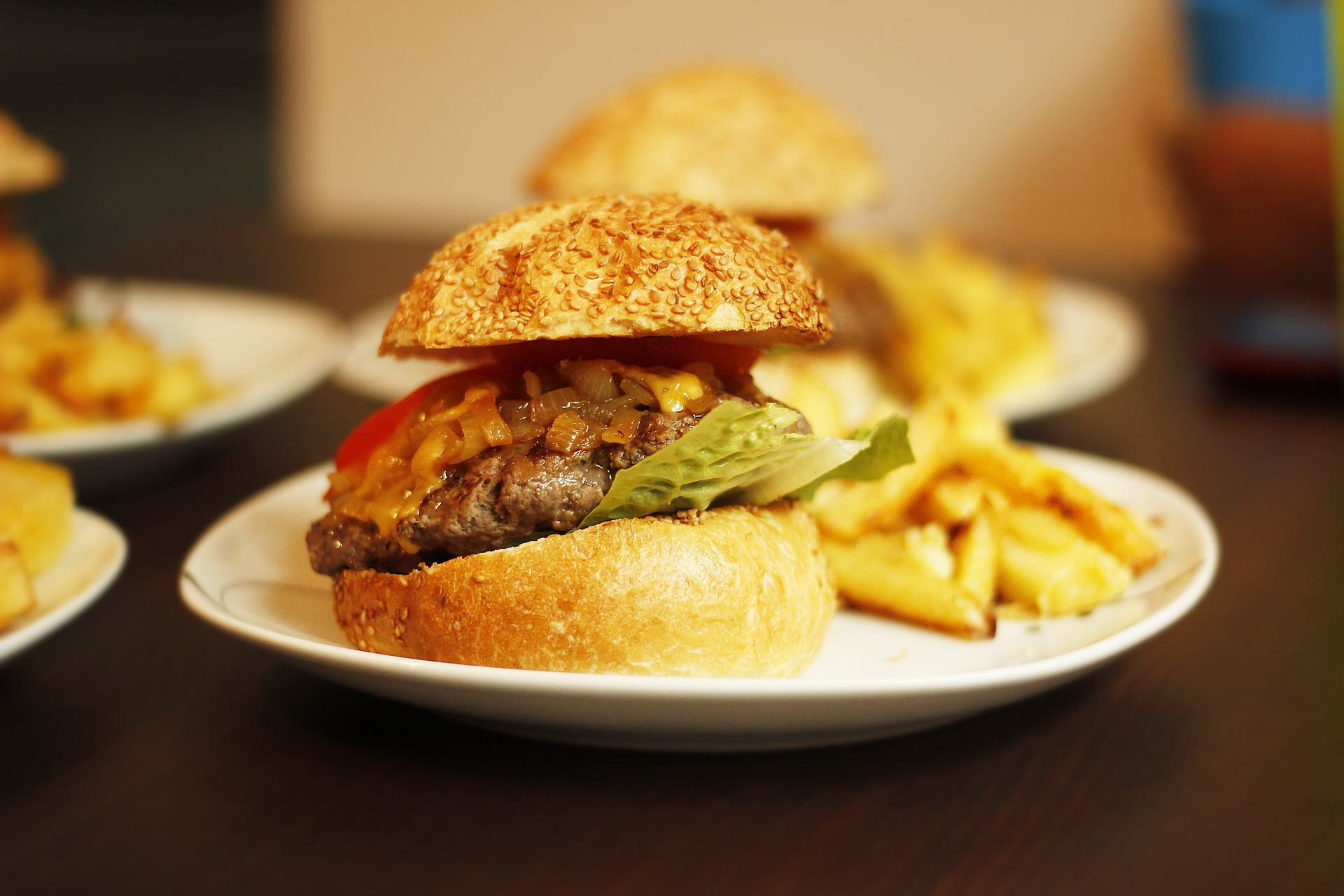 Are Hamburgers Unhealthy  Eating Unhealthy Foods Can Actually Make You Lose Weight
