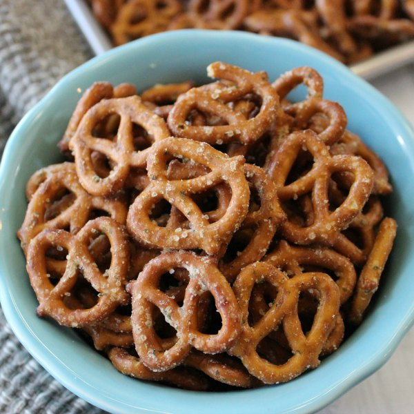 Are Hard Pretzels Healthy  8 Perfect Tony Awards Party Food Ideas 2017 Best Musicals
