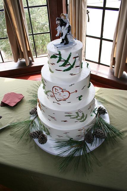 Aspen Tree Wedding Cakes  aspen tree cake 285