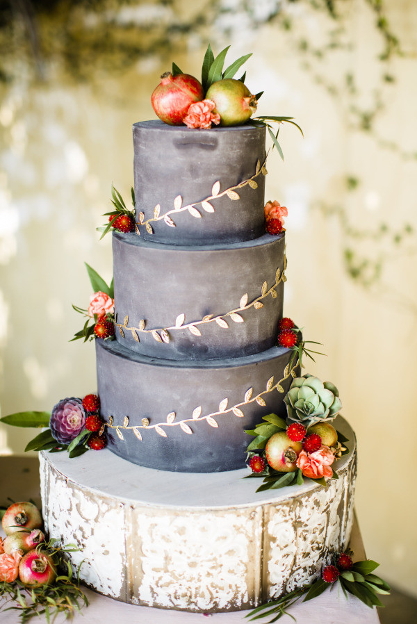 Autumn Wedding Cakes  20 Rustic Wedding Cakes for Fall Wedding 2015