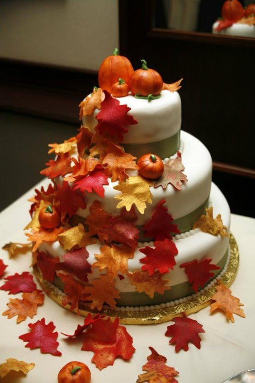 Autumn Wedding Cakes  15 Fall Wedding Cake Ideas You May Love Pretty Designs