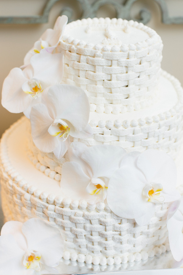 Basket Weave Wedding Cakes  Basketweave Wedding Cake Elizabeth Anne Designs The