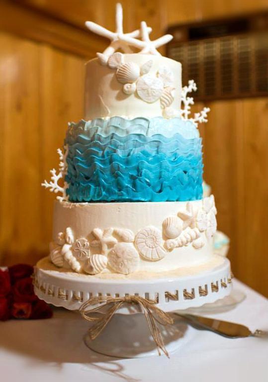Beach Themed Wedding Cakes  Sun Sea and Sugar Beach Themed Wedding Cakes