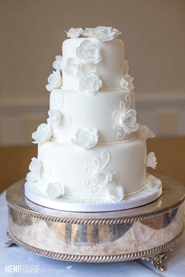 Beautiful Simple Wedding Cakes  40 Elegant and Simple White Wedding Cakes Ideas