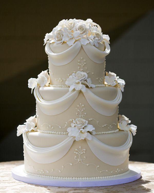 Beautiful Simple Wedding Cakes  25 Beautiful wedding cake ideas