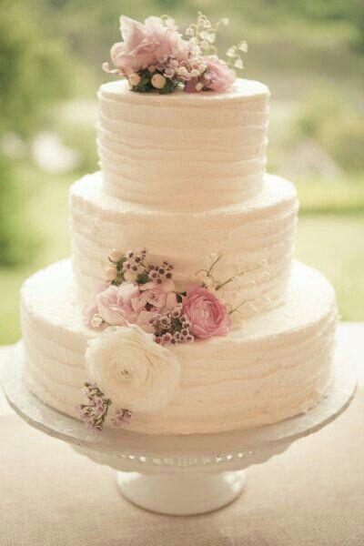 Beautiful Simple Wedding Cakes  Simple and beautiful wedding cake