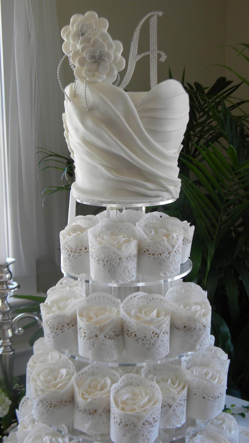 Beautiful Wedding Cakes Pictures  A Beautiful Wedding & Cakes Designed for you Home
