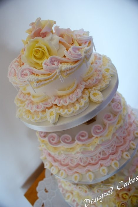 Best Icing For Wedding Cakes  17 Best images about Royal Icing Wedding Cakes Royal