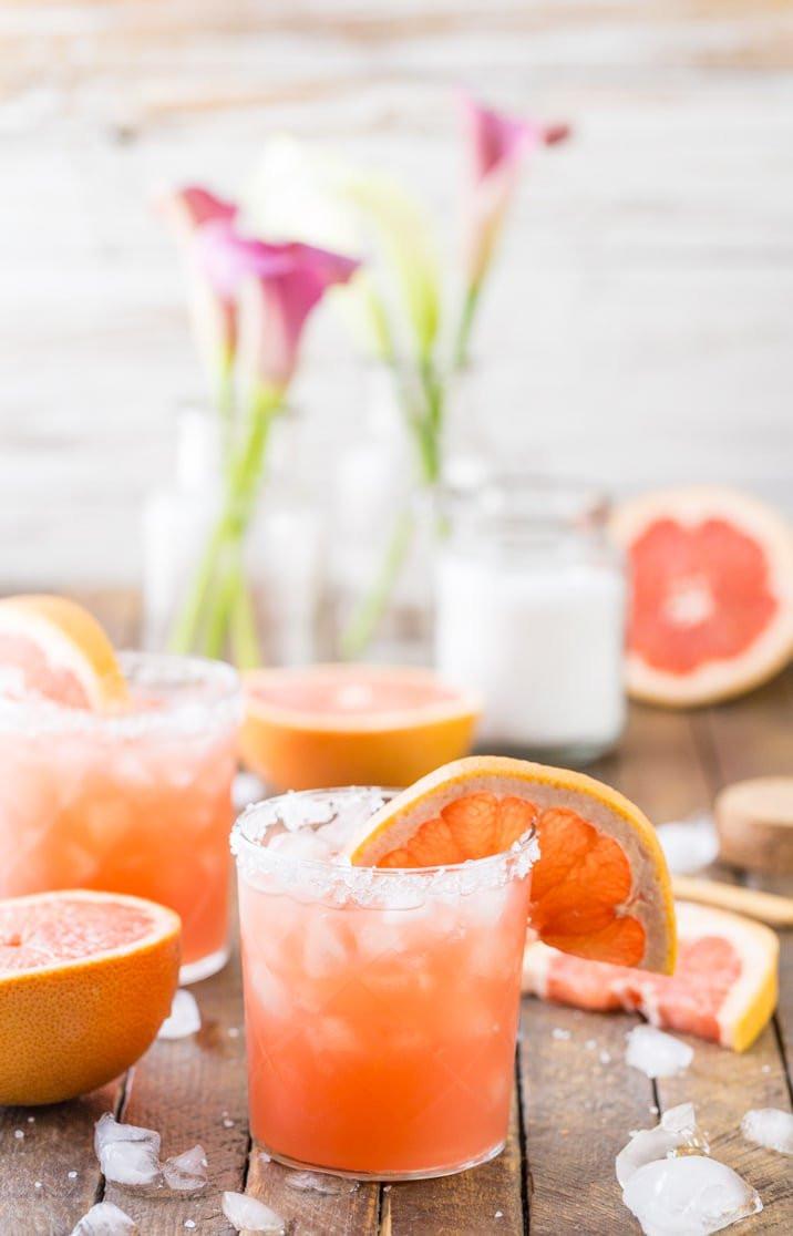 Best Summer Drinks With Vodka  Grapefruit Salty Dog