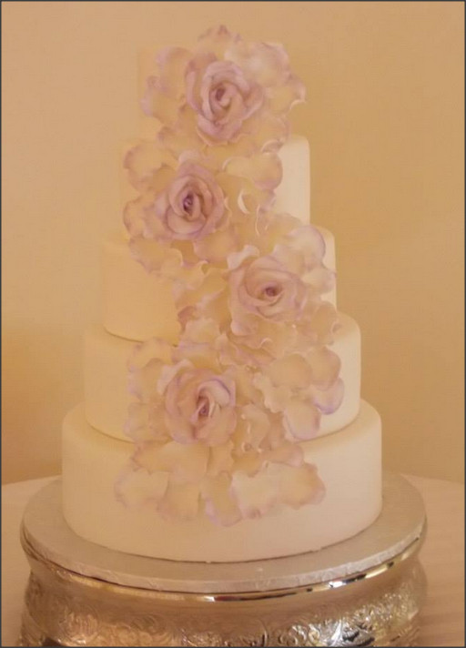 Best Wedding Cakes Atlanta  Best Places For Wedding Cakes In Atlanta CBS Atlanta