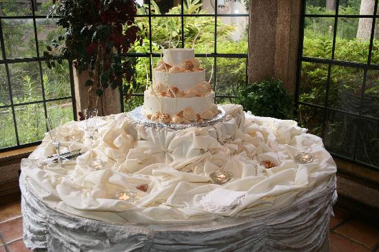 Best Wedding Cakes Ever  The wedding cake was not only beautiful but was the best