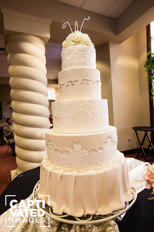 Biggest Wedding Cakes Ever  Biggest wedding cake ever idea in 2017