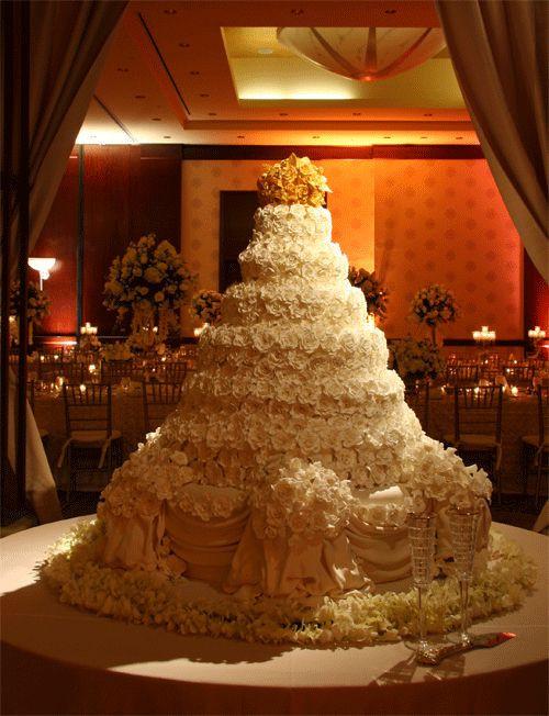 Biggest Wedding Cakes Ever  8 Big Cakes Ever World s Biggest Wedding Cake Ever