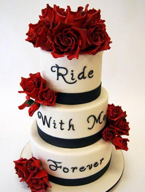 Biker Wedding Cakes  20 Cool Motorcycle Themed Wedding Ideas Weddingomania