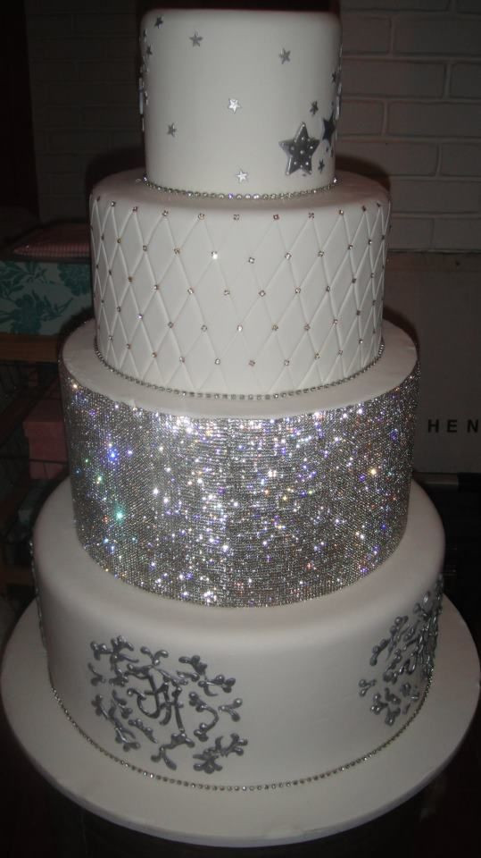 Blinged Out Wedding Cakes  Blinged Out Wedding Cake Ideas and Designs