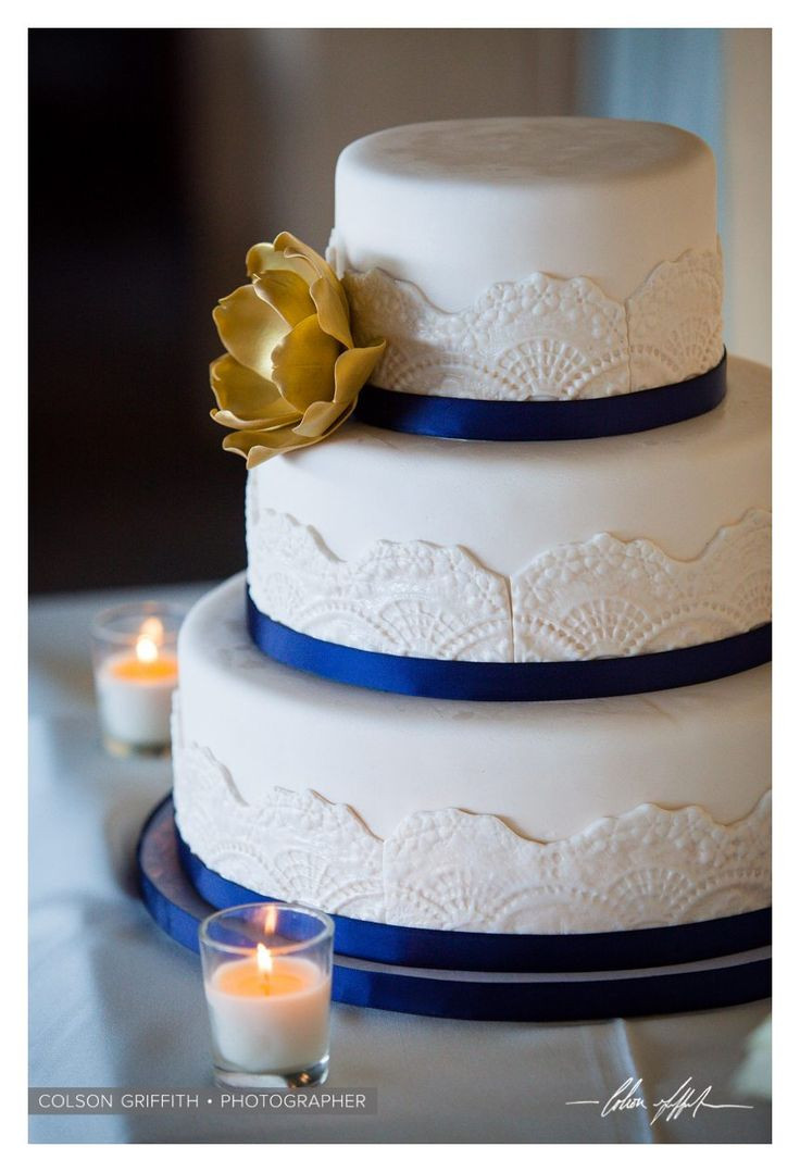 Blue And Gold Wedding Cakes  Blue and gold wedding cake idea in 2017