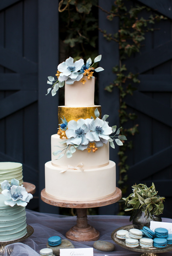 Blue And Gold Wedding Cakes  14 Fabulous Wedding Cakes with Modern Flair Roxy s Kitchen