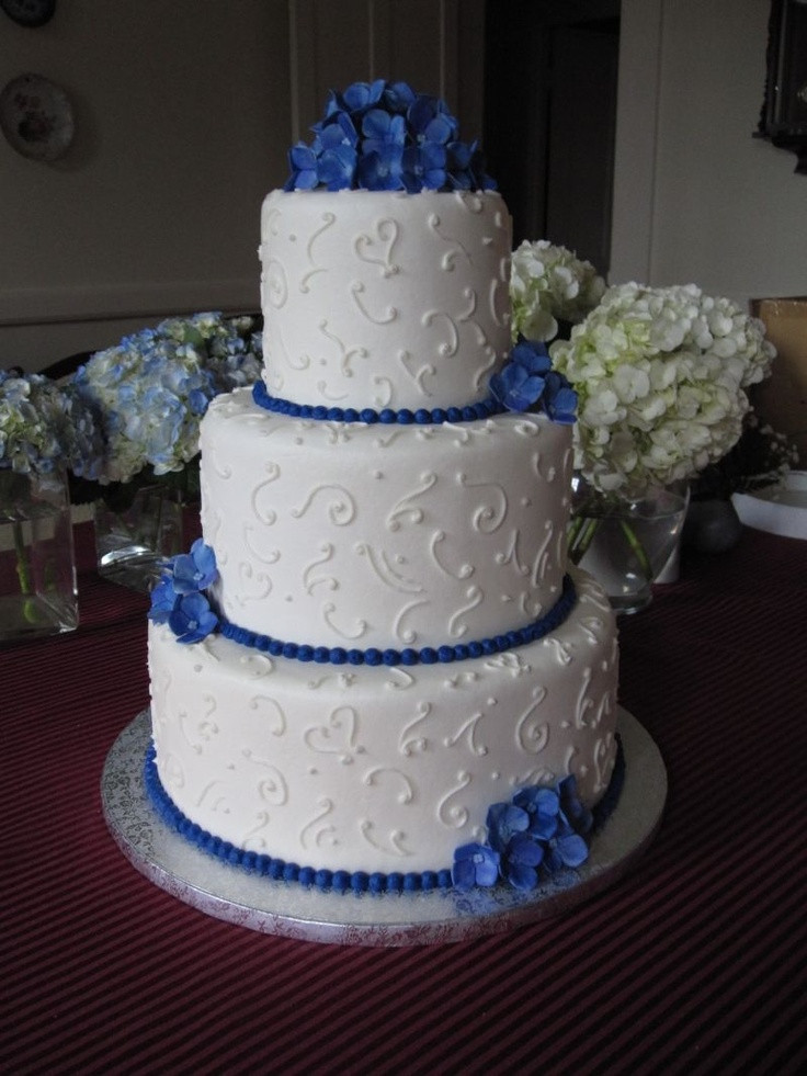 Blue And White Wedding Cakes  Wedding cakes blue and white idea in 2017