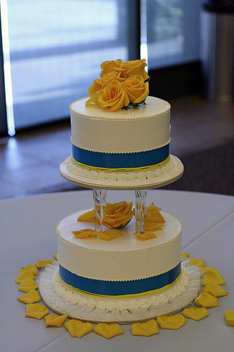 Blue And Yellow Wedding Cakes  light blue and yellow wedding cakes