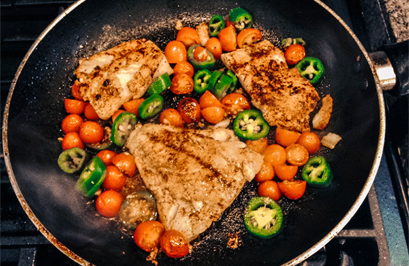 Bodybuilding Healthy Snacks  Clean Cook 5 Pre Contest Meals From Nicole Moneer