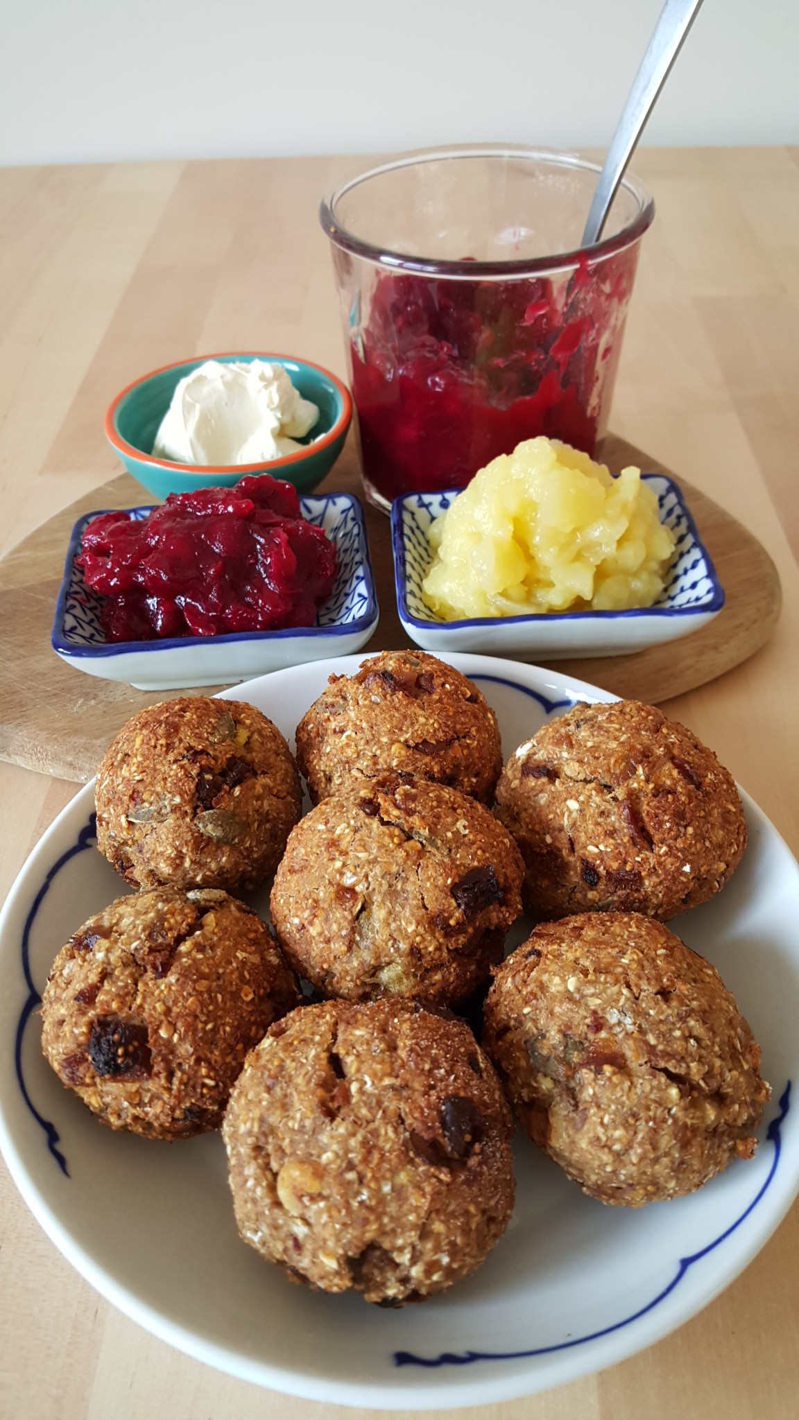 Breakfast Scones Healthy  Healthy Breakfast Scones Fig Date Seedy Scones