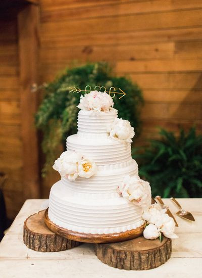 Brookshires Wedding Cakes  Classic Oaks Ranch Wedding by Anne Brookshire