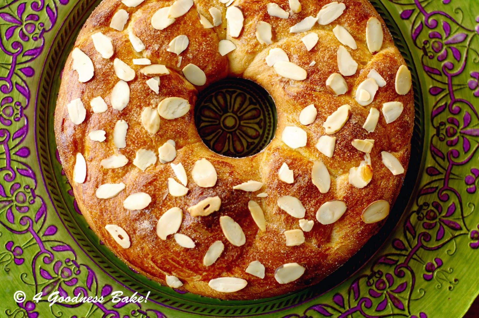 """Bulgarian Easter Bread  4 goodness bake Bulgarian Easter Bread """"Козунак"""""""
