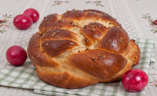 Bulgarian Easter Bread  Easter Preparations in BulgariaAdventure Flair