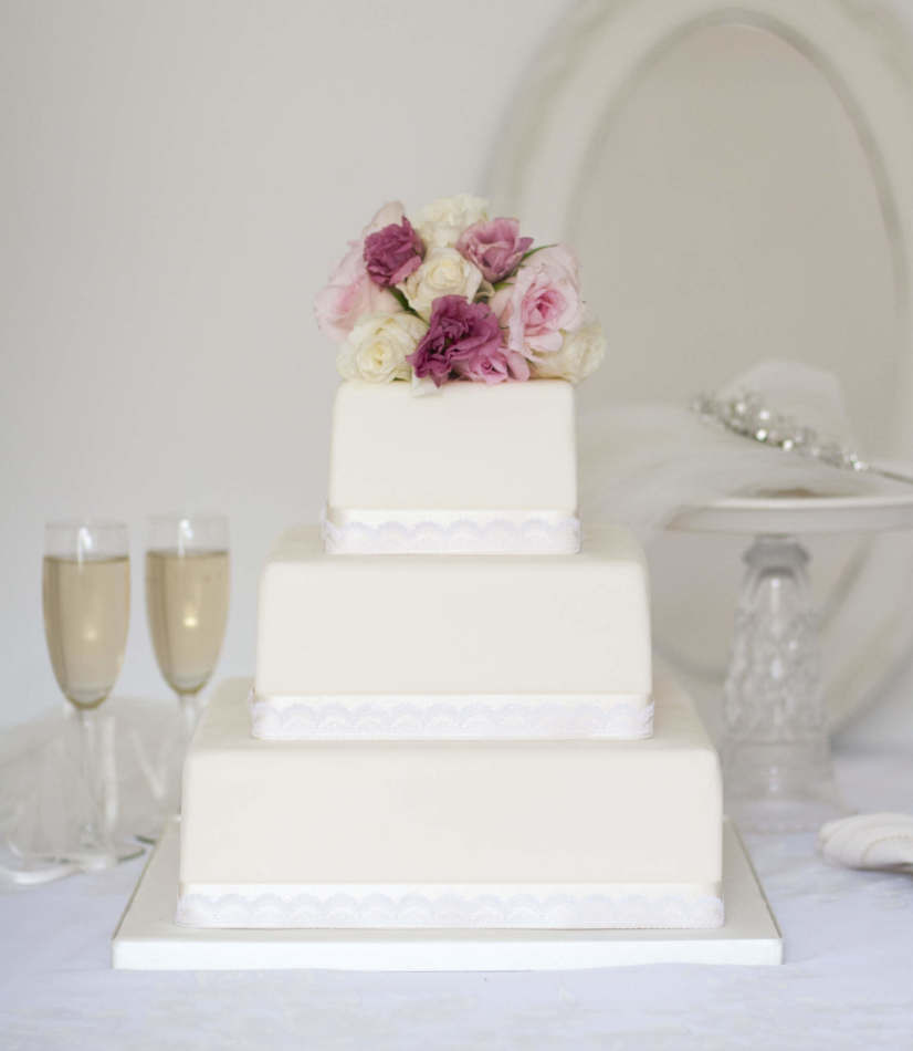 Buying Wedding Cakes  Wedding cakes to online